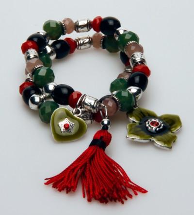 Bracelet Double Rouge et Vert avec Perles et Pompon